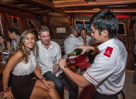 royal-albatross-champagne-tasting-event