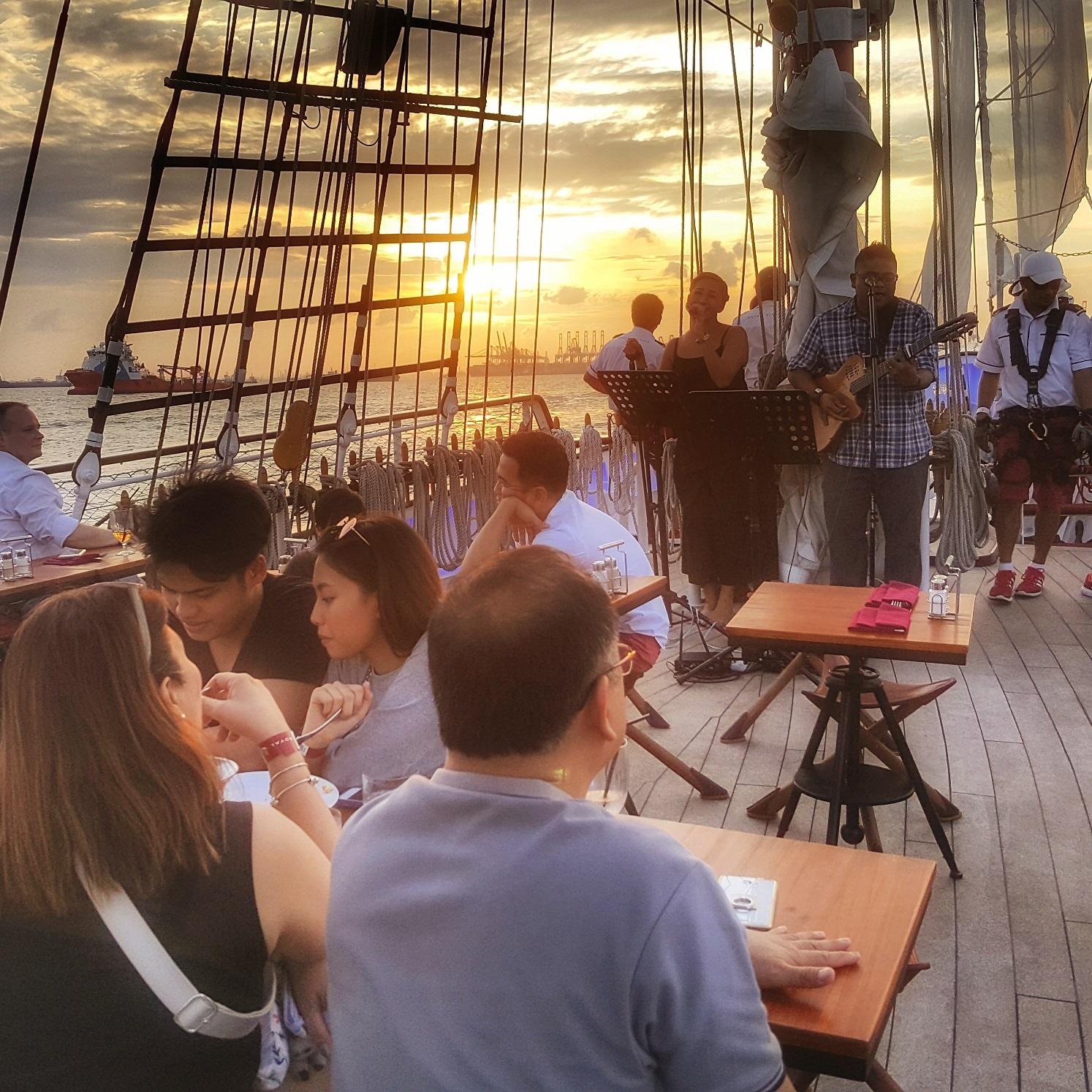 yacht rental 100 pax singapore