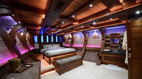 cabins-1-royal-albatross
