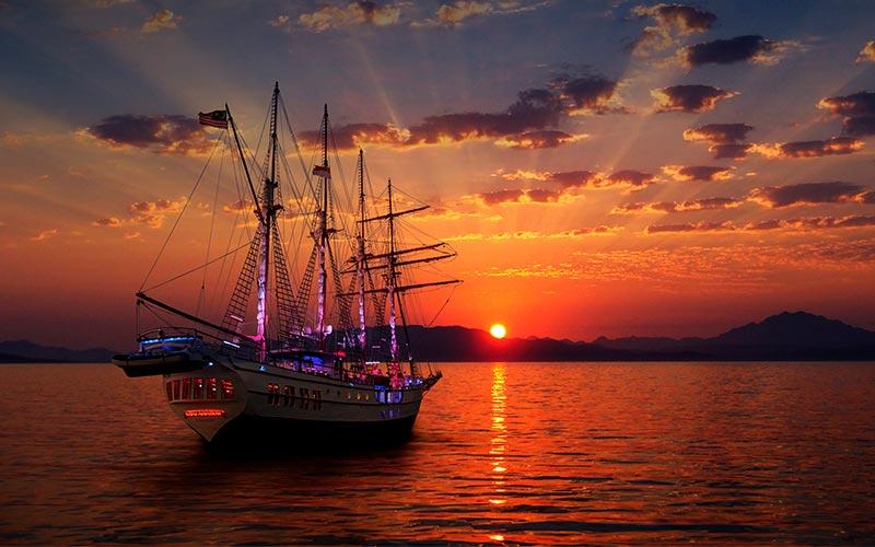 sunset sailing on royal albatross