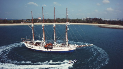 yacht overview royal albatross
