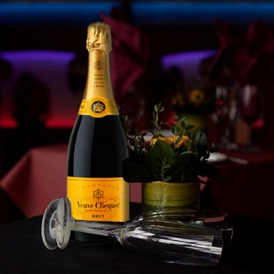 Veuve on table royal albatross