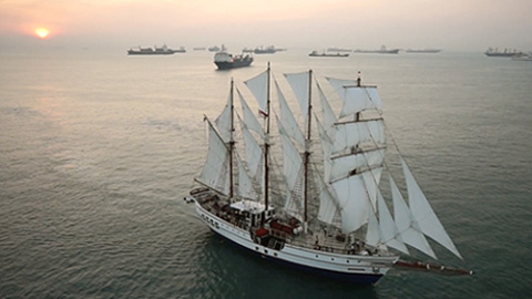 Most_Stable_Yacht_in_Singapore1