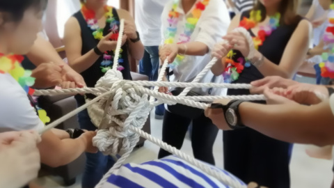 RA_teambuilding-get-knotted